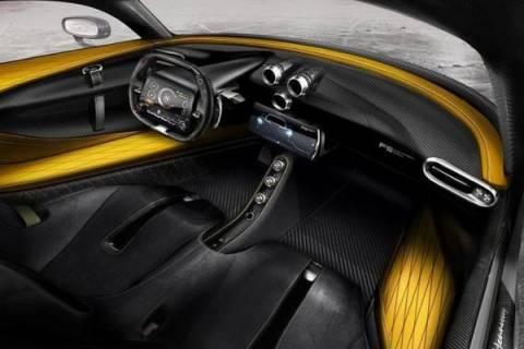 Що всередині найшвидшого у світі гіперкара Venom F5